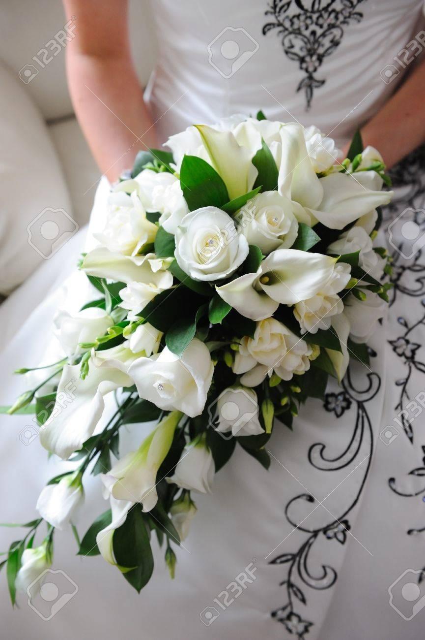 Foto Bouquet Da Sposa.Bouquet Da Sposa E Rose Bianche