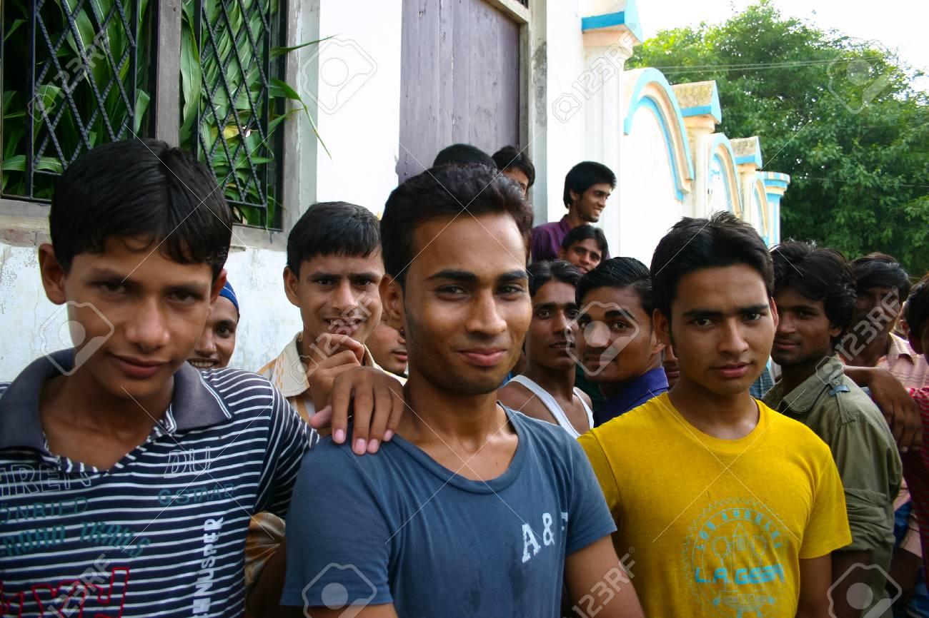 Amroha Utar Pradesh India 2011 De Niet Geïdentificeerde Indische Mensen Uit Sloppenwijken