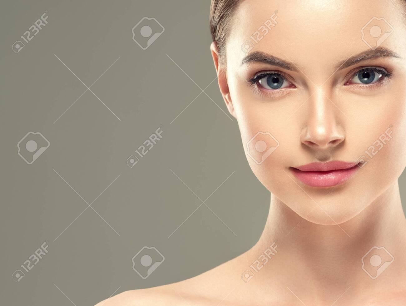 Eye mask patch cosmetic female woman face healthy skin. Studio shot. - 143585855