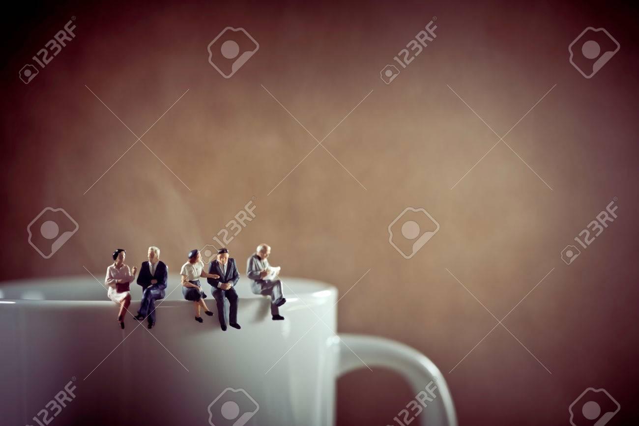Business colleagues on coffee break. - 69302885