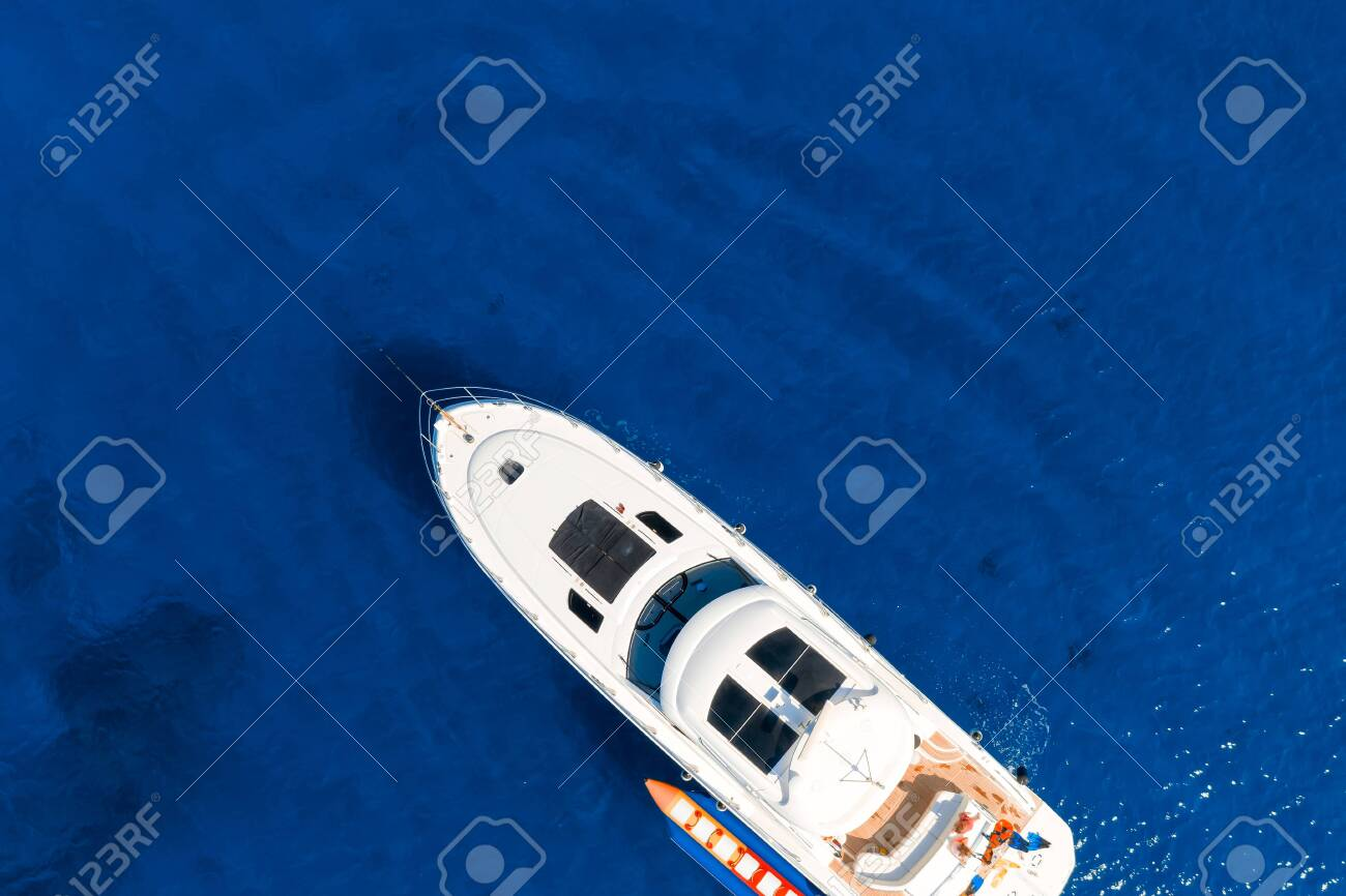 Overhead view of yacht in Mediterranean sea - 150716549