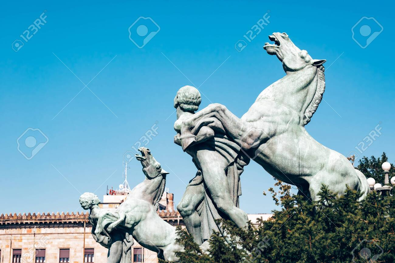 Statues in front of the National Assembly in Belgrade, Serbia. - 150716815