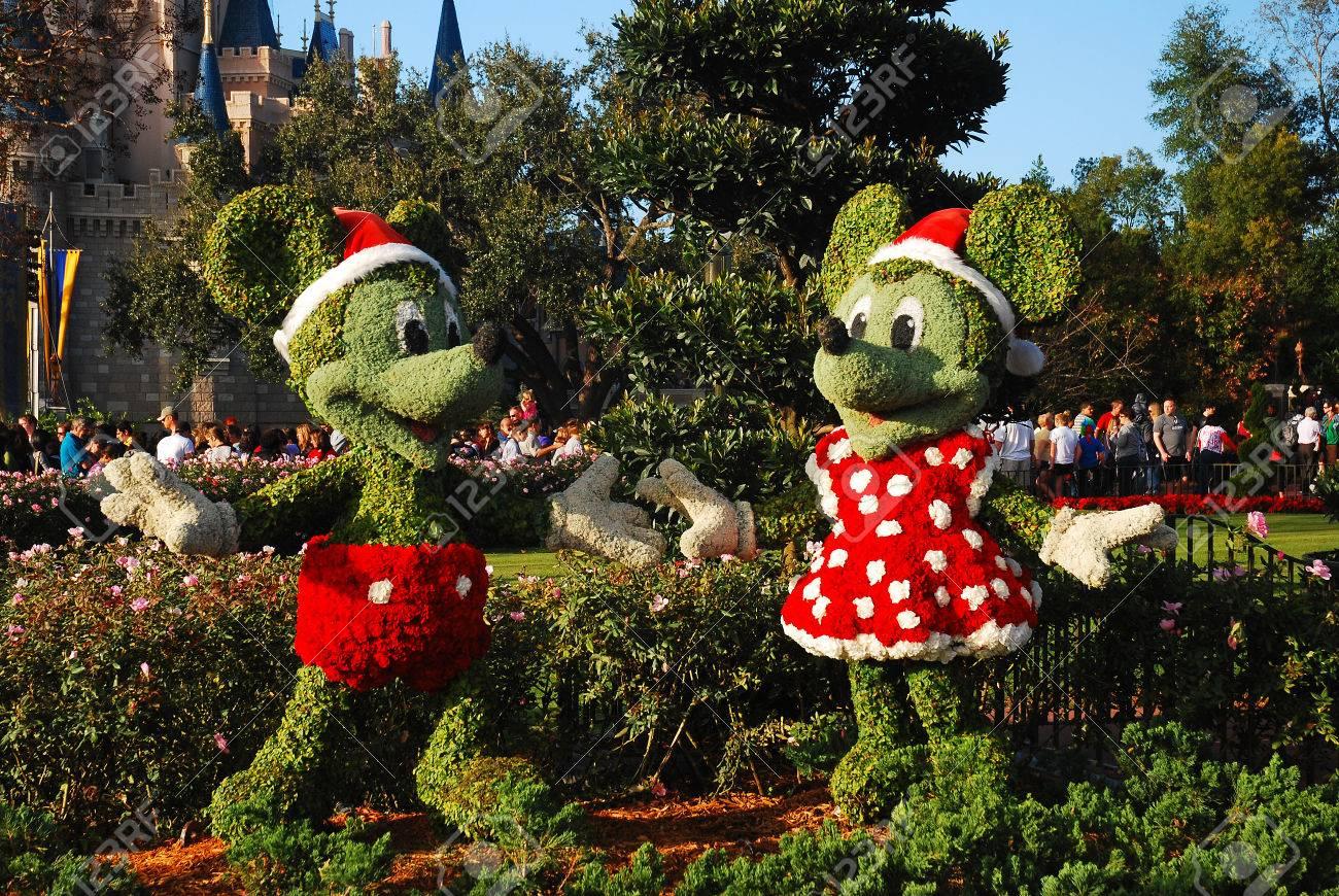 Image De Noel Walt Disney.Mickey And Minnie In Their Christmas Best Walt Disney World
