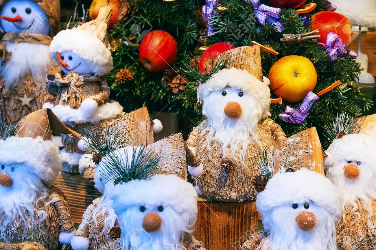 Marché De Noël Avec Des Cadeaux Et Des Souvenirs à Vendre Banque D