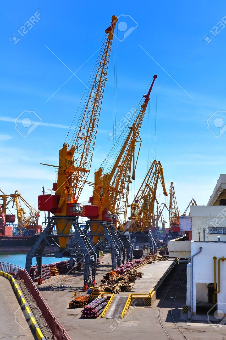 Sea commercial port, unloading cargo Stock Photo - 13795479