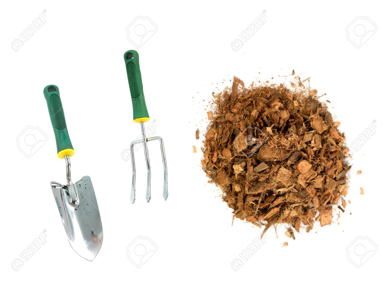 Garden wood chip mulch isolated against a white background Stock Photo - 11932701
