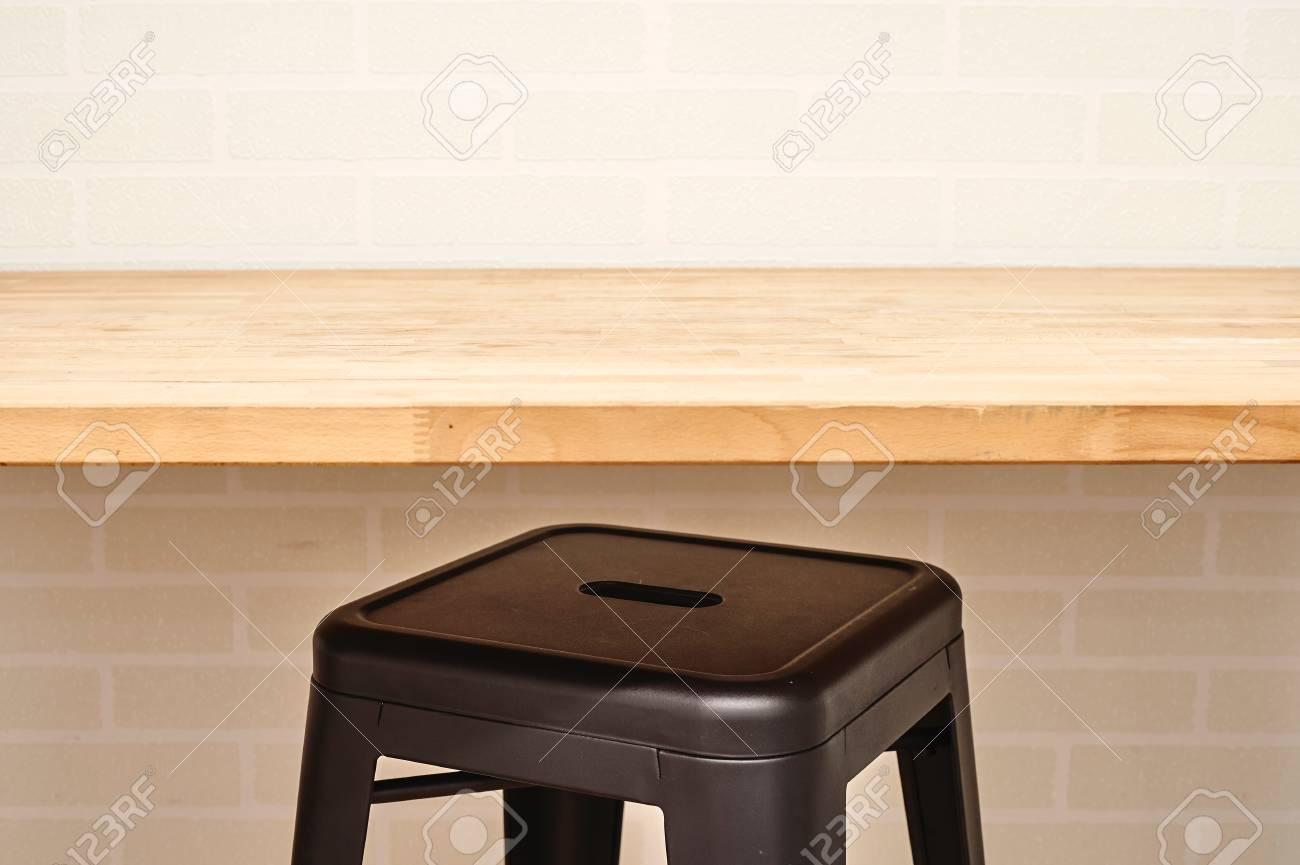 Ein Studio-Foto Von Küchentisch Lizenzfreie Fotos, Bilder Und Stock ...