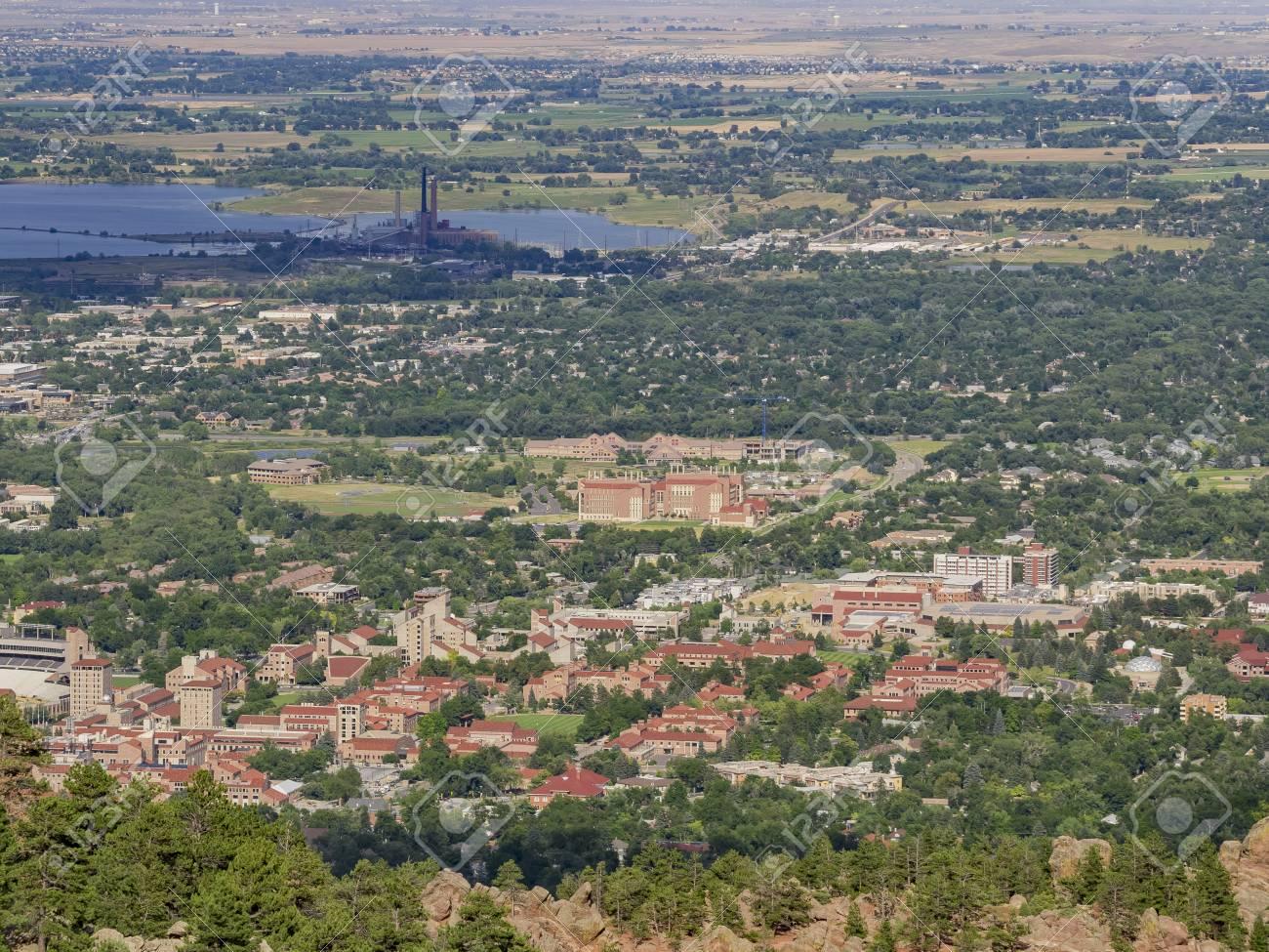 コロラド州ボルダーの航空写真 の写真素材・画像素材 Image 94198130.
