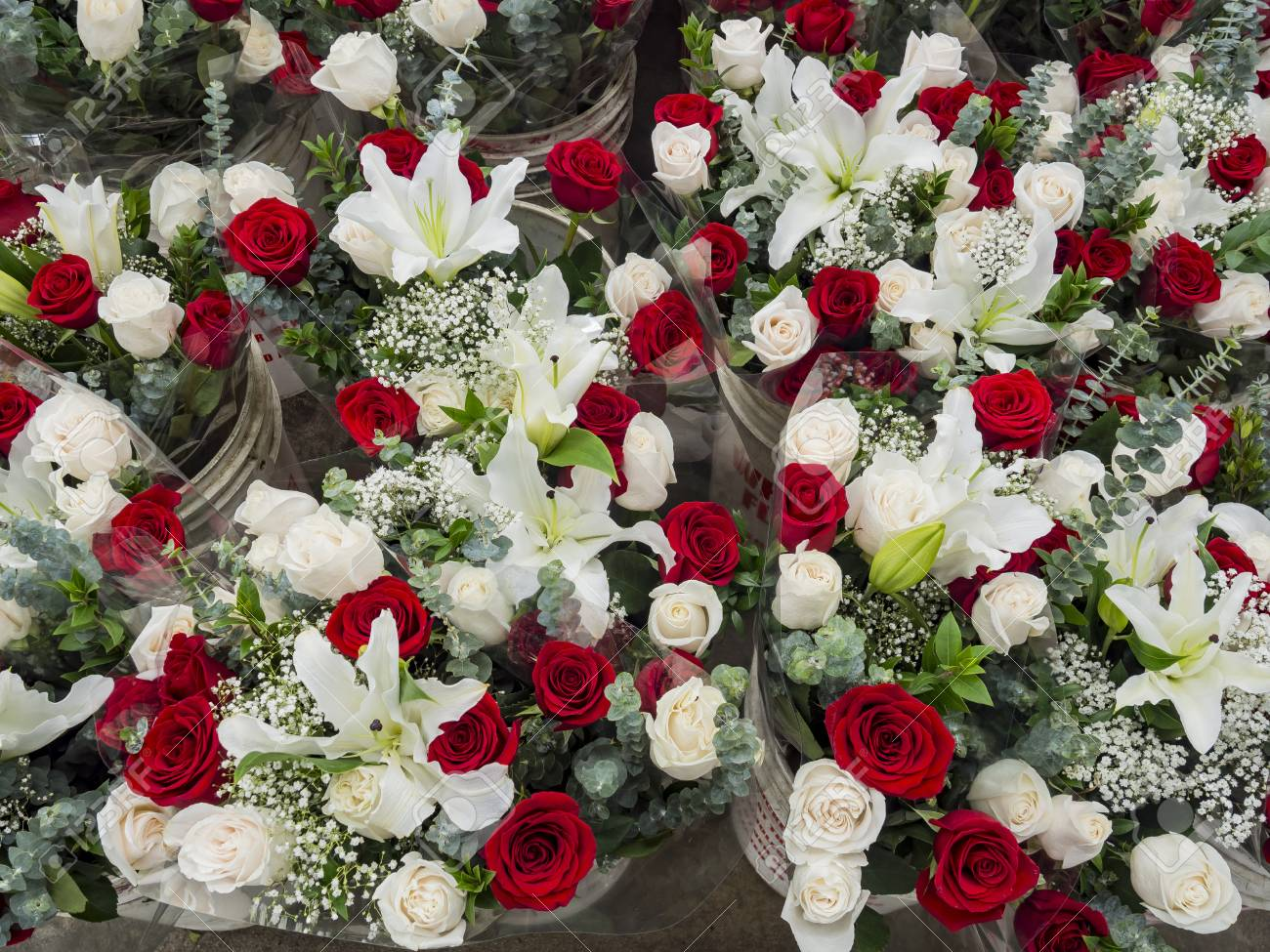 Many Bunches Of Red And White Rose At Flower Market Of Los Angeles