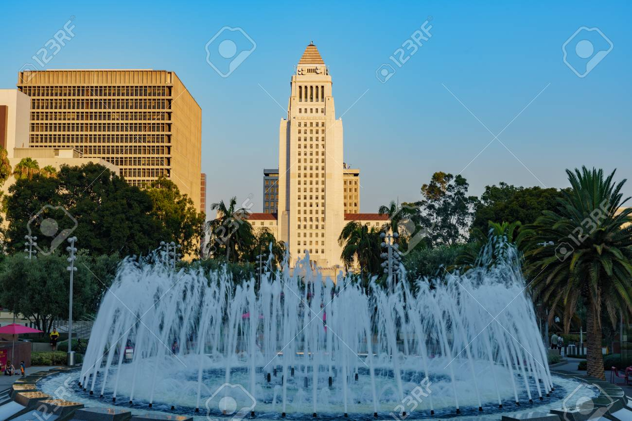 Los Angeles, AUG 2: Arthur J. Will Memorial Fountain and City Hall on AUG 2, 2018 at Los Angeles