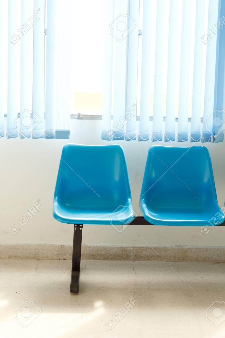 Blau Leere Stühle Am Wartezimmer Lizenzfreie Fotos Bilder Und