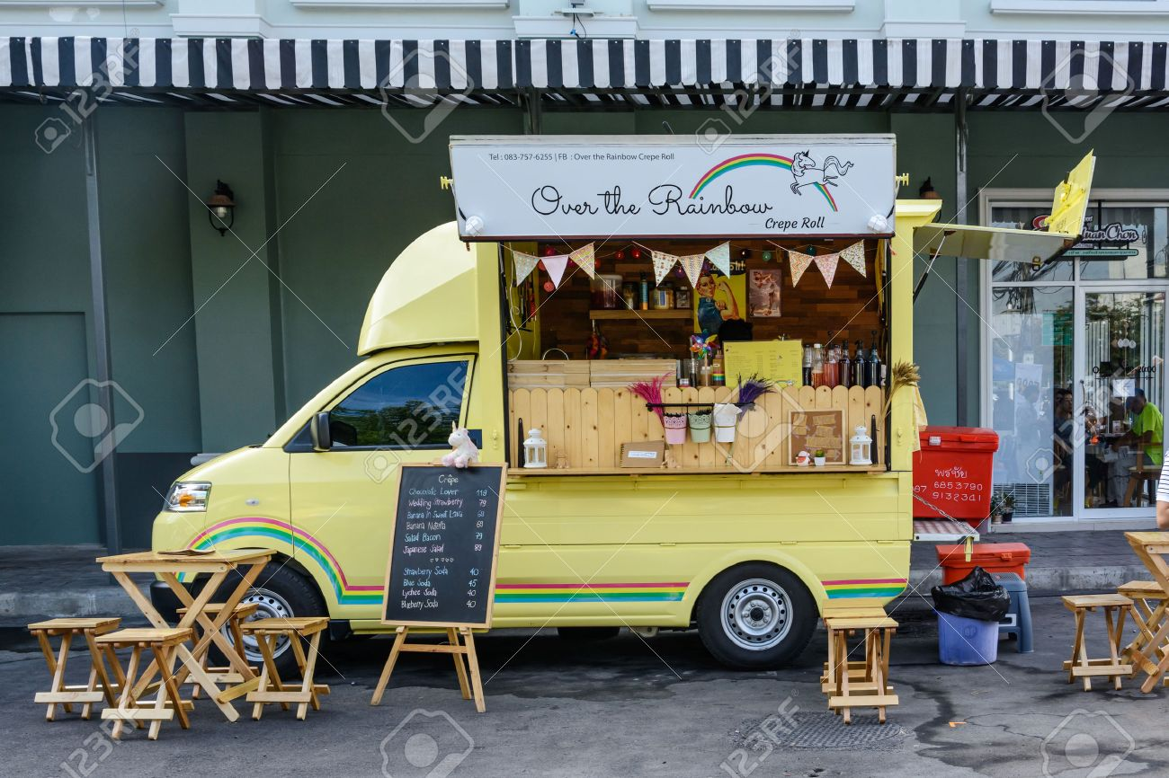 25 of the best food truck designs design galleries paste - Bangkok Thailand 25 July 2015 People Order Meal From Food Trucks At Food