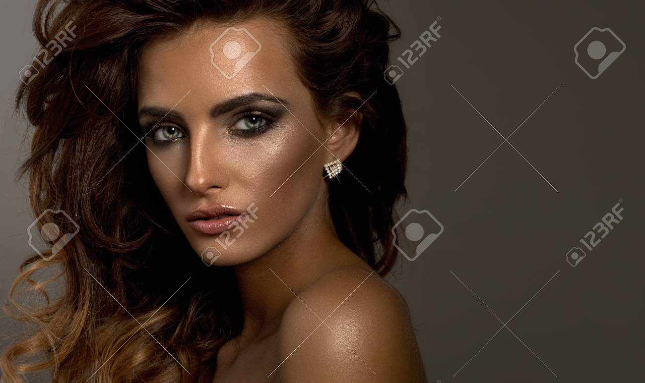 young attractive woman Stock Photo - 20337966