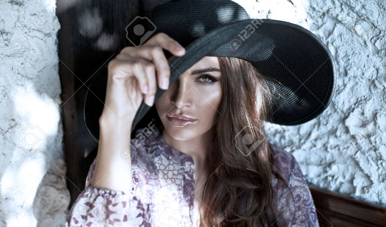 Portrait of woman with hat Stock Photo - 21824031