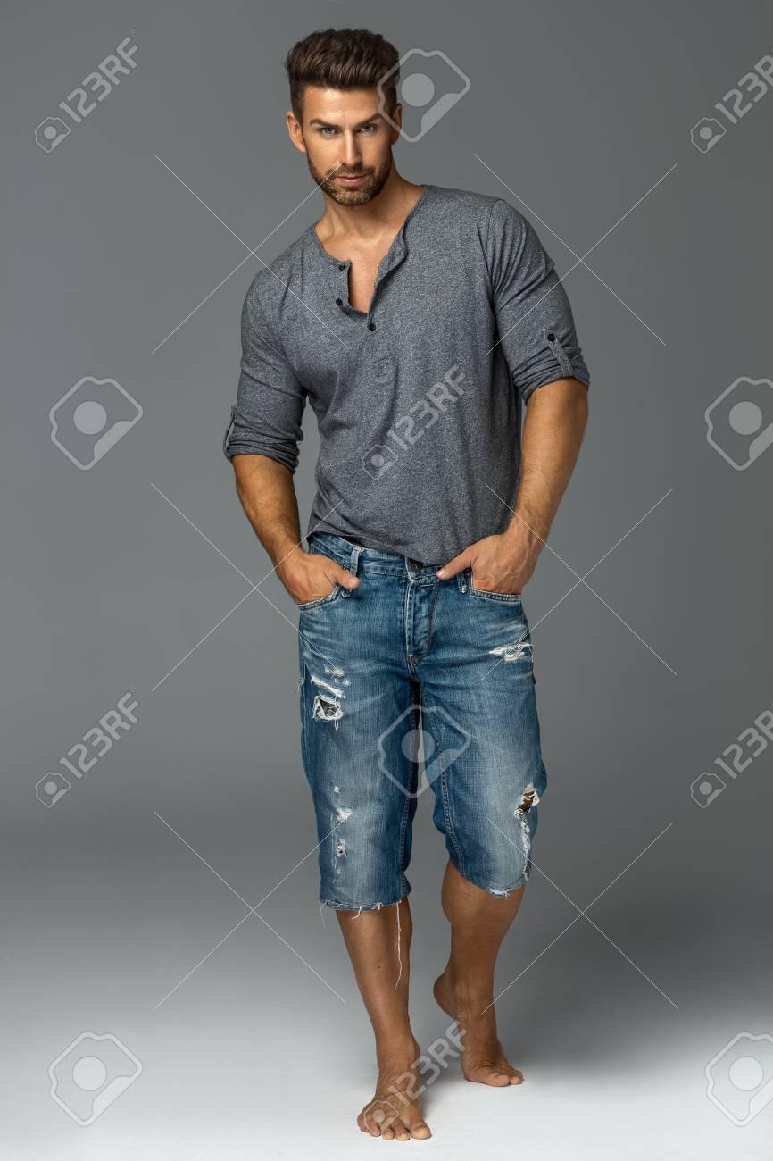full silhouette of handsome male model - 84918902