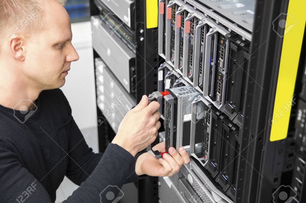 It consultant install blade server in datacenter Stock Photo - 39088960