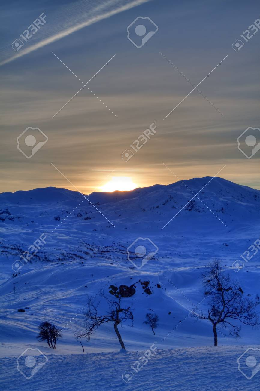 Winter landscape in the Norwegian mountains Stock Photo - 6442290