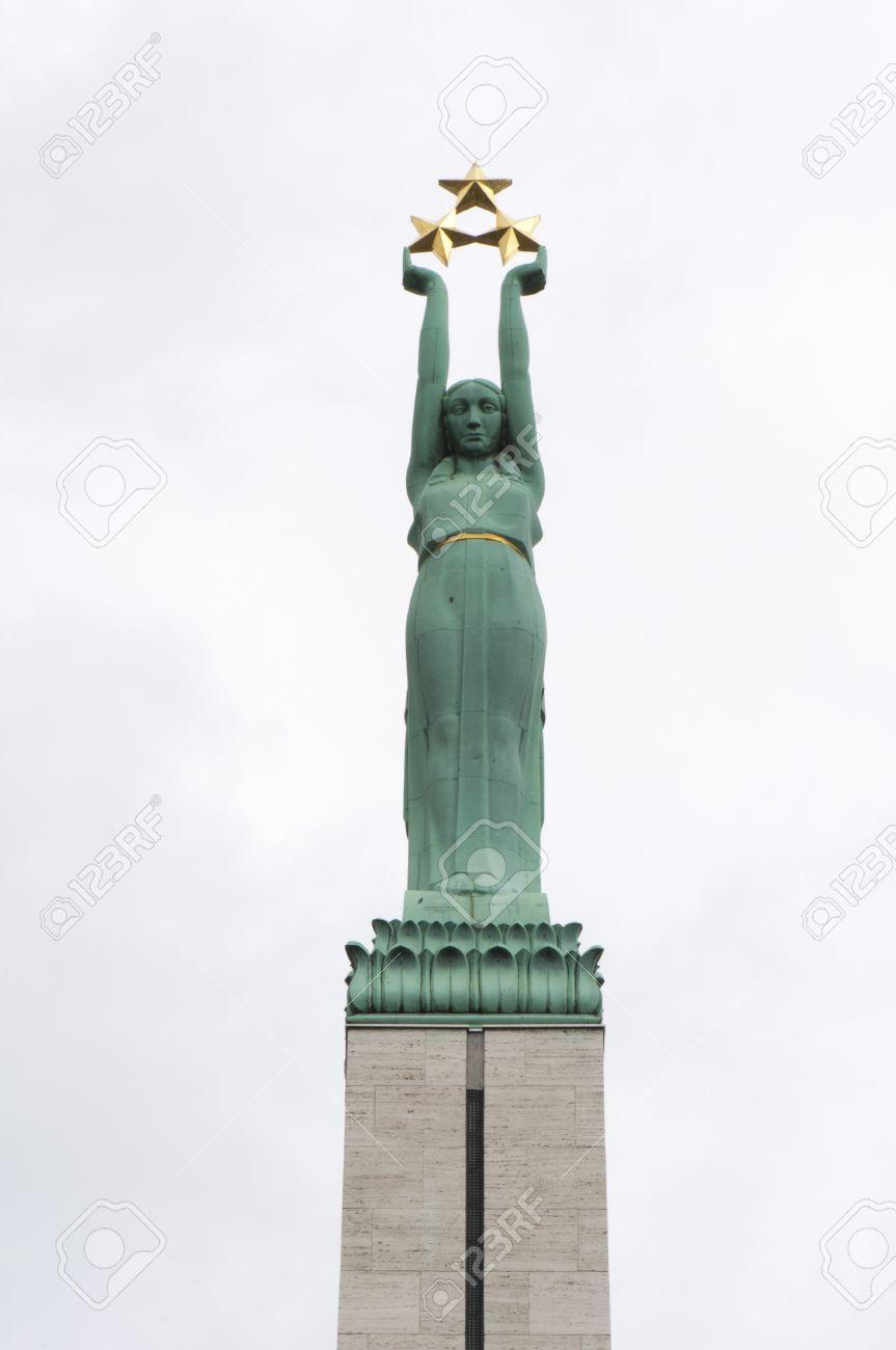 Letonia Frau