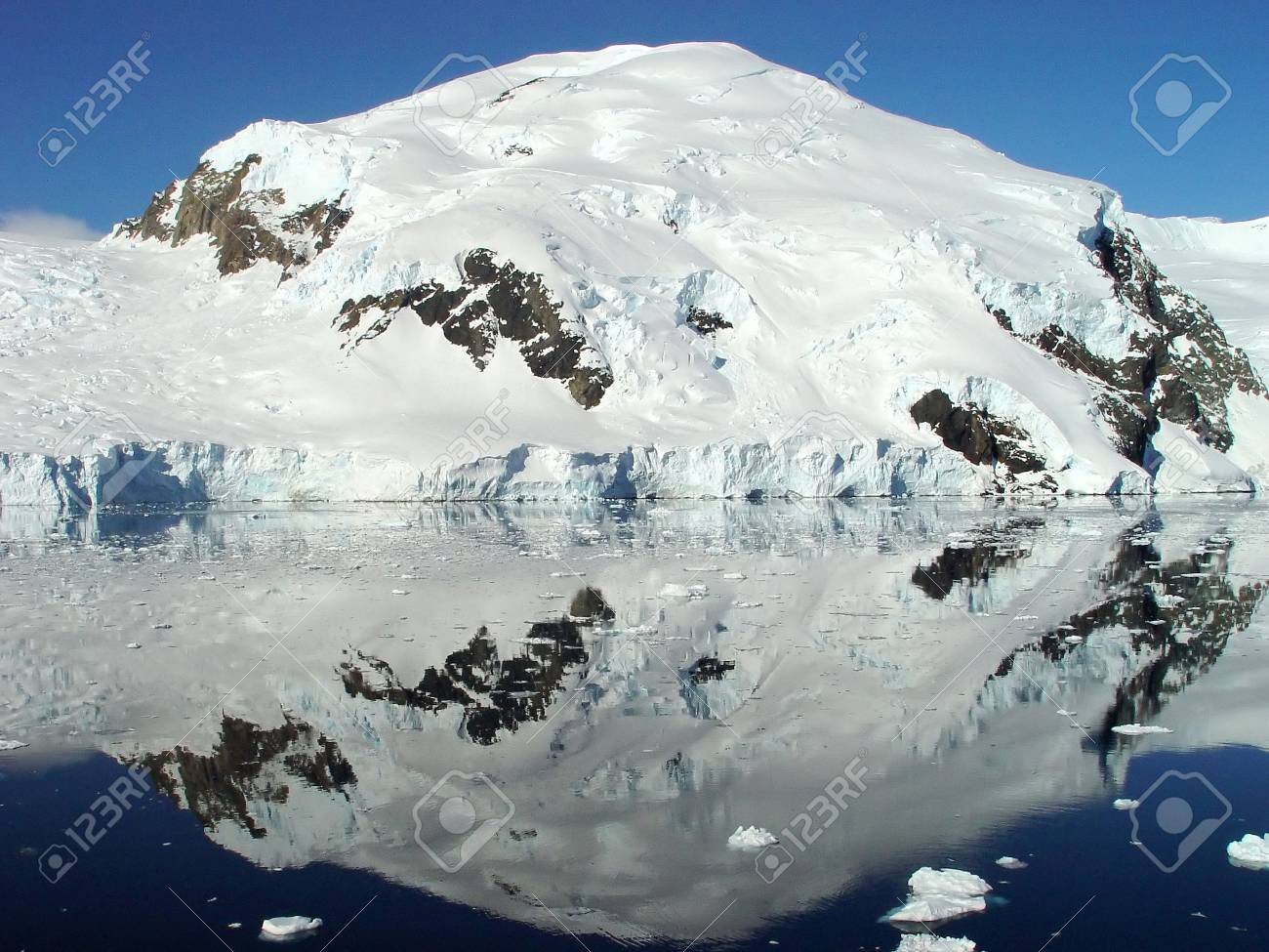 Reflection of icebergs, Sunny day in Antarctica Stock Photo - 3255229