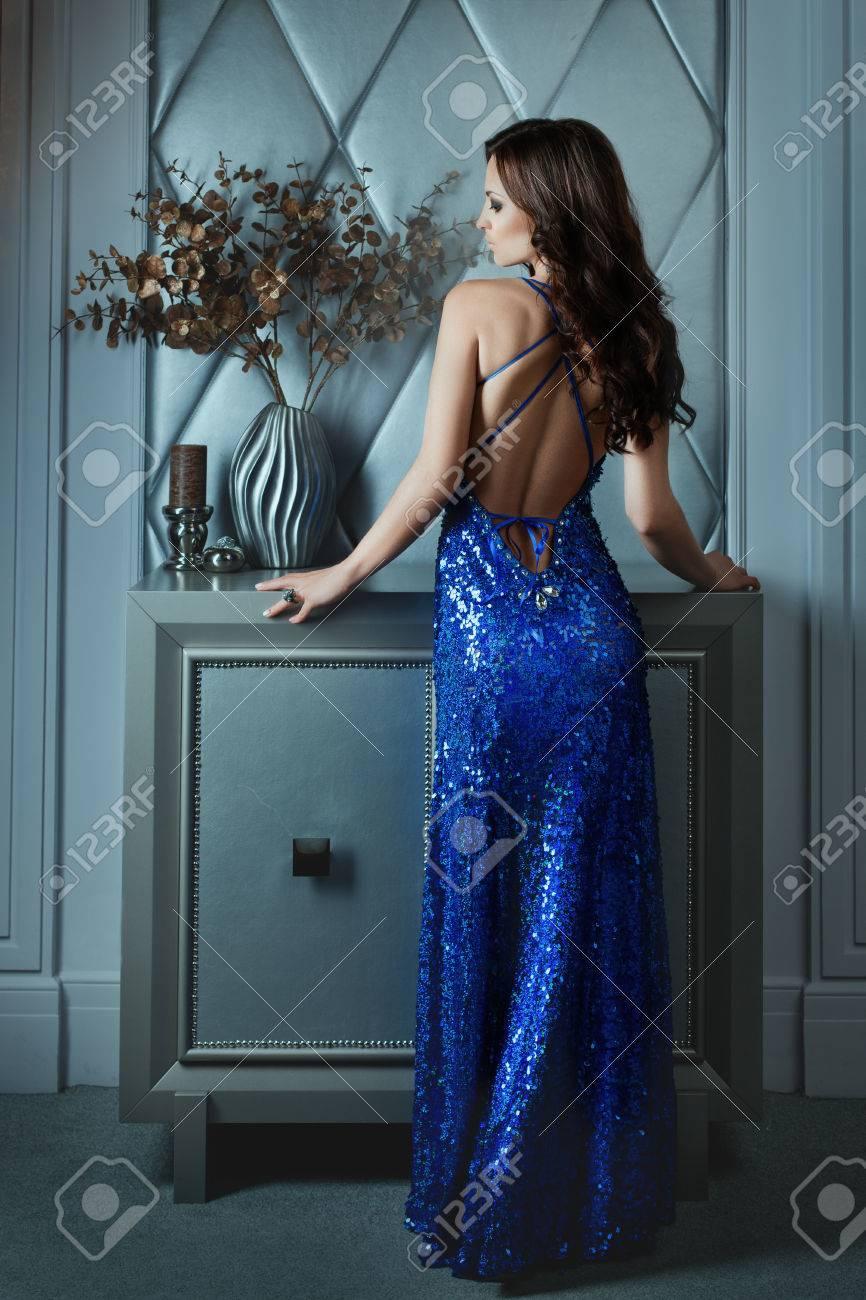 Frau im abendkleid bilder