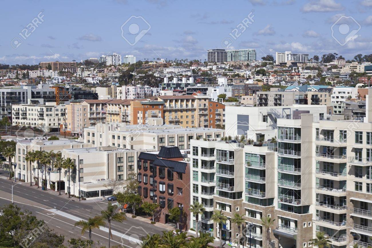 Dense hillside architecture in scenic downtown san Diego California. Stock Photo - 9866122