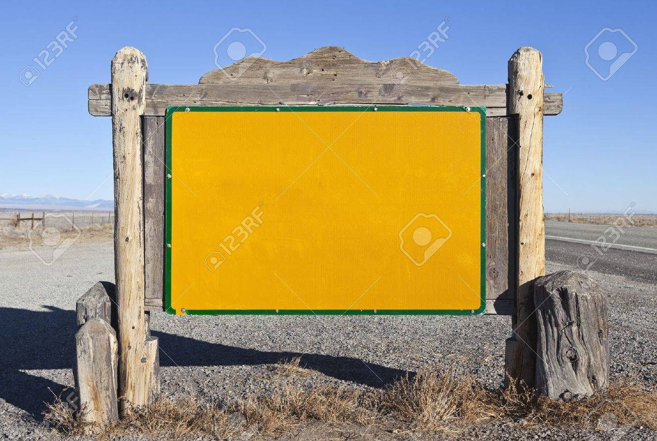 Western style blank highway message sign. Stock Photo - 11747477