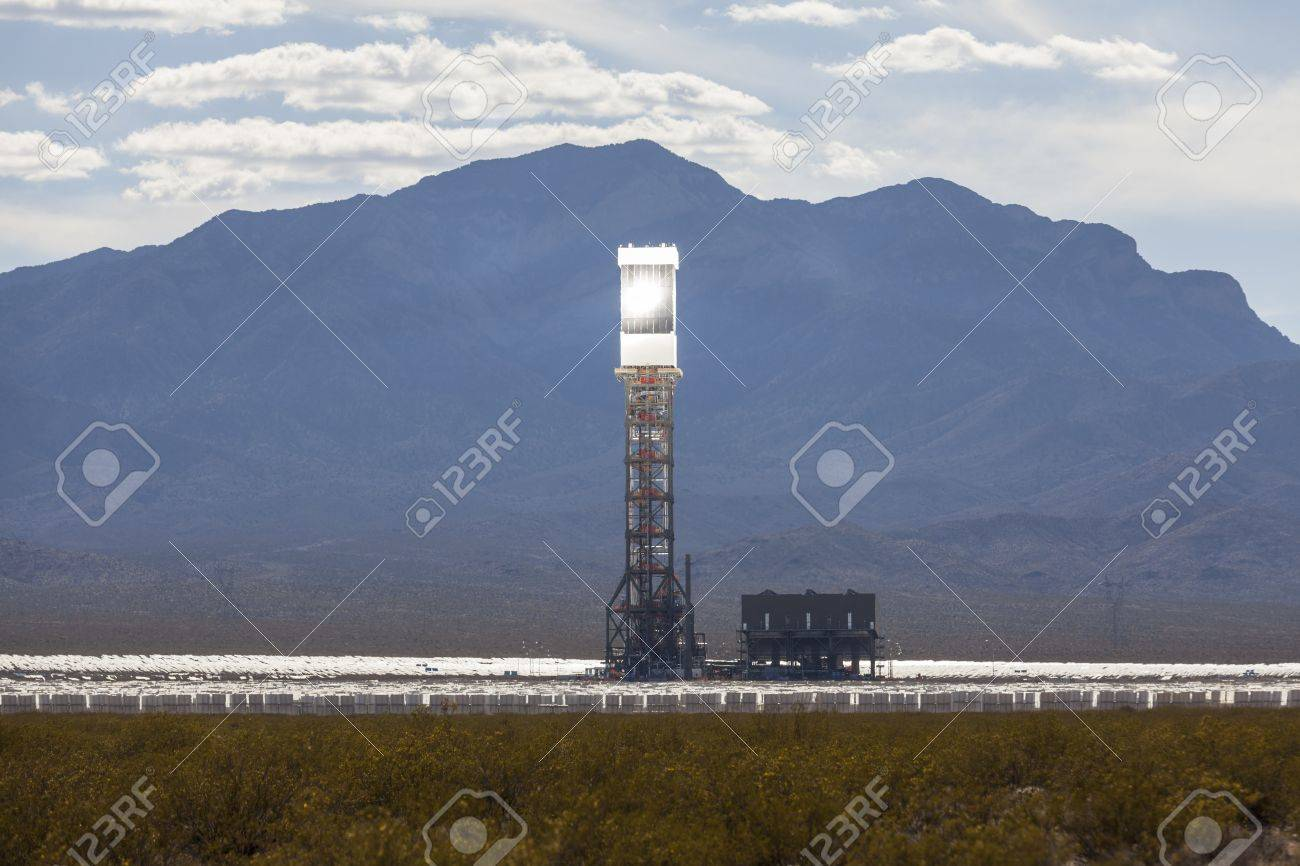 Editorial photo of the massive newly operational 392 megawatt Ivanpah solar thermal power plant in California Stock Photo - 19619017