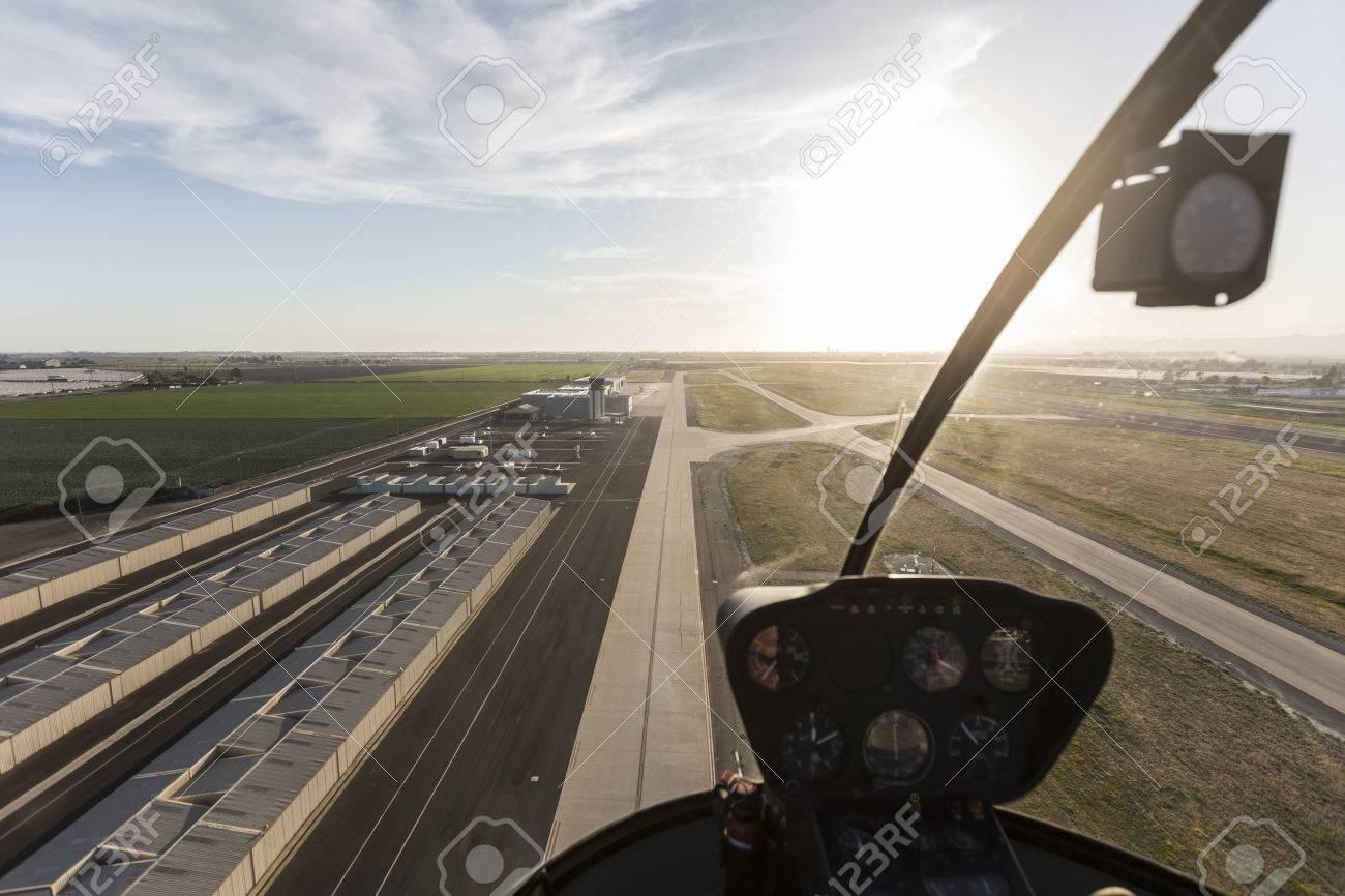 Vue Aérienne à L\'intérieur De L\'hélicoptère D\'atterrissage à L ...