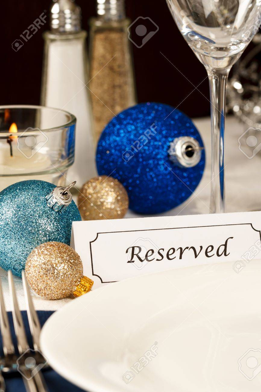 Blue And Gold Table Setting A Holiday Table Setting With An Empty Plate Providing Copy Space