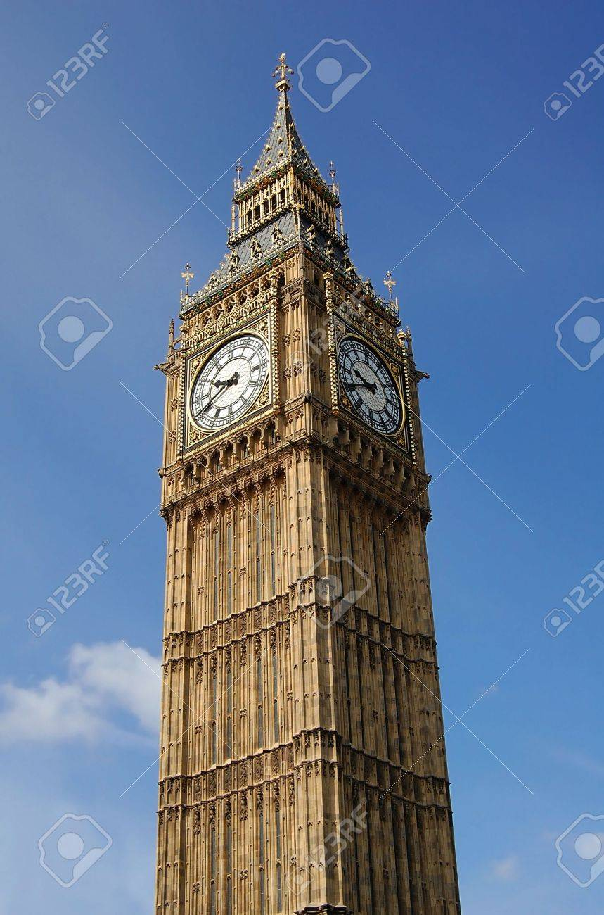 Vertical view of te Big Ben Tower Stock Photo - 3185429