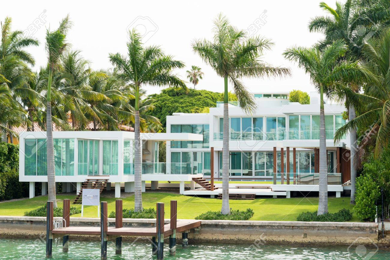 Luxury beach homes exterior - Beach House Exterior Luxurious Mansion On Star Island In Miami An Artificial Island In