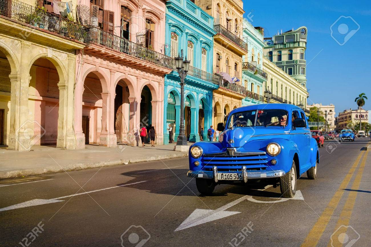 Street scene with old car and colorful buildings in Old Havana - 59196826