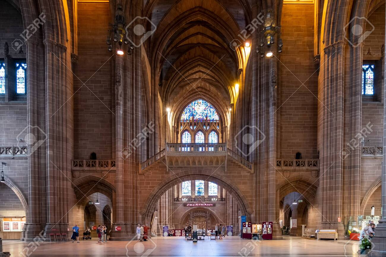 Interior view of the Liverpool Anglican Cathedral - 150299032