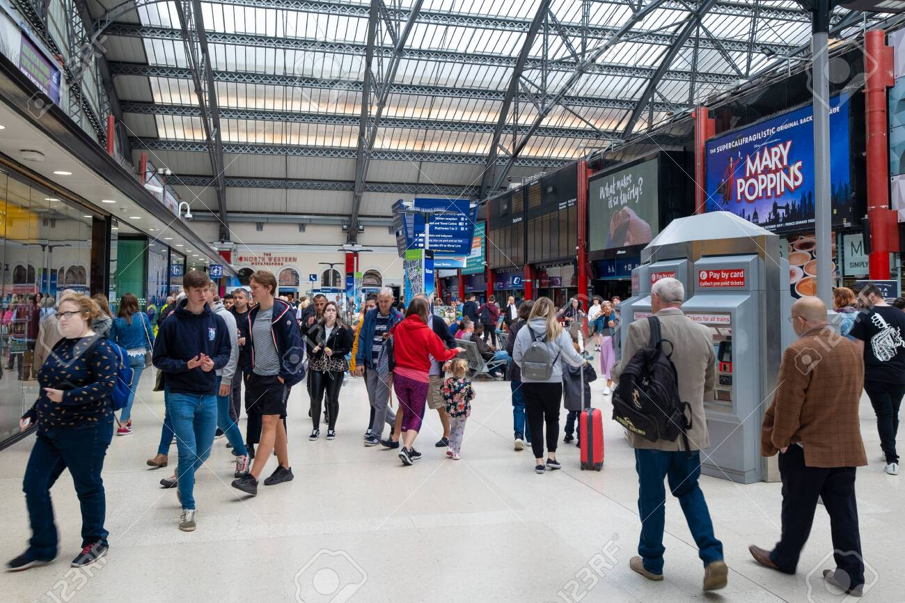 Interior view of Liverpool Lime Street railway station - 150299036