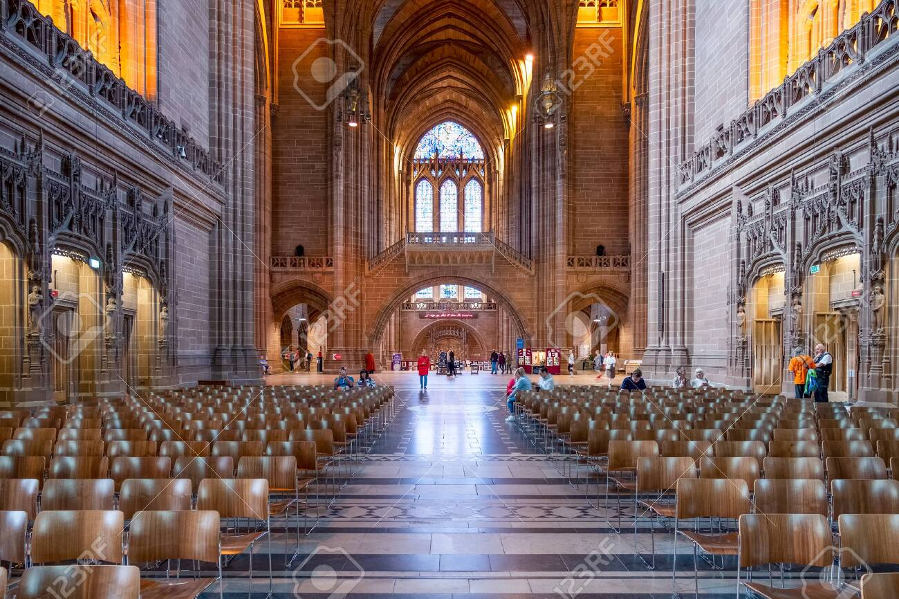 Interior view of the Liverpool Anglican Cathedral - 150299037