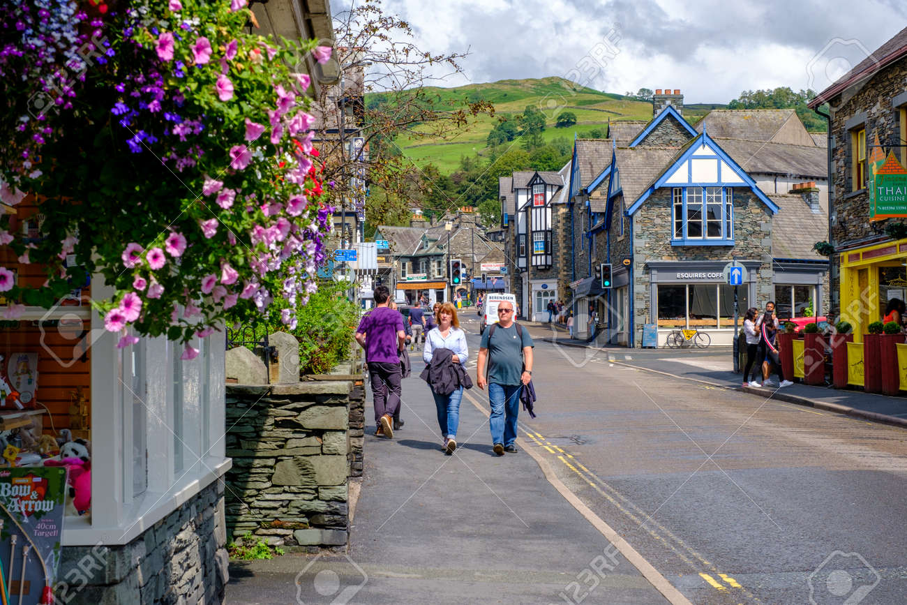 The colorful village of Ambleside on the picturesque Lake District in England - 158962814