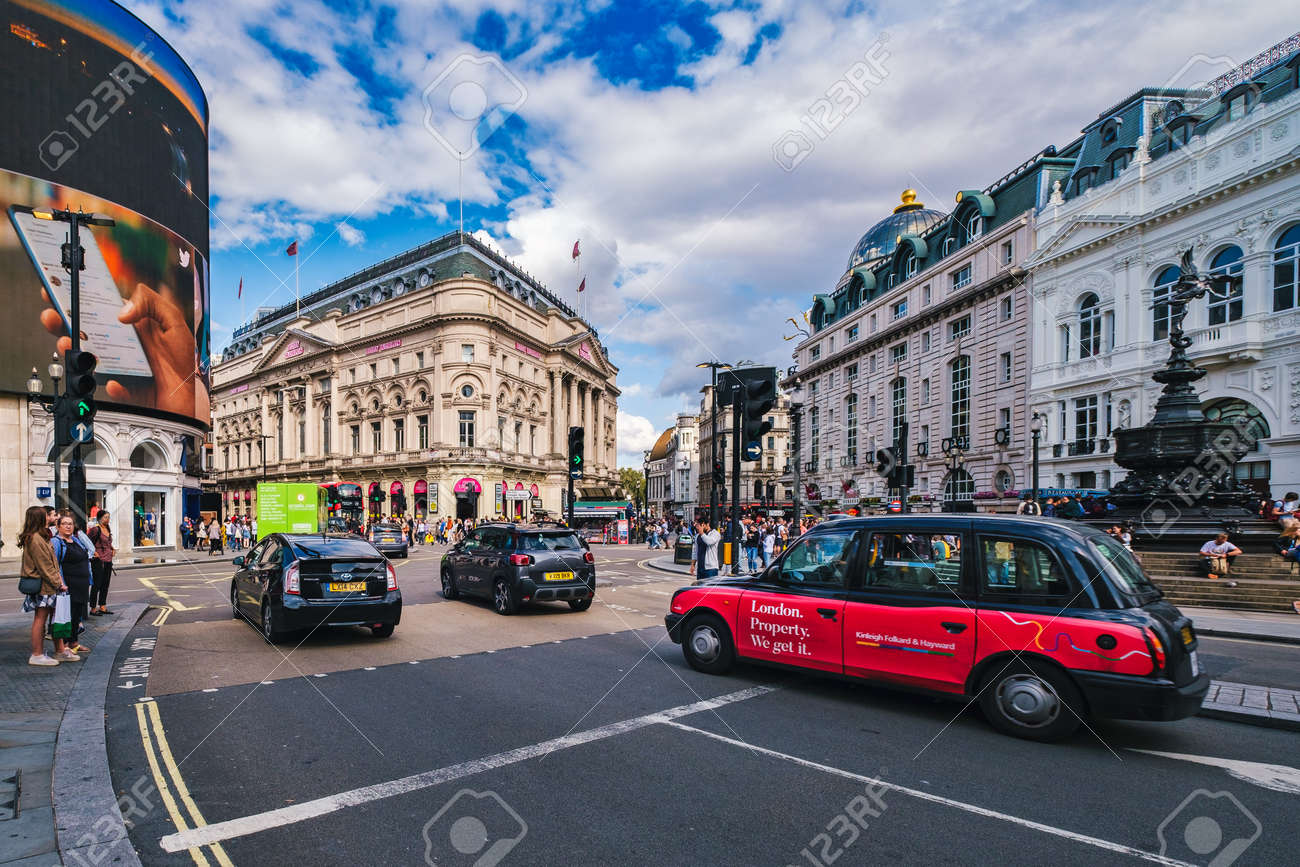 Traffic at Piccadilly Circus in London with a view of several landmarks - 158962812