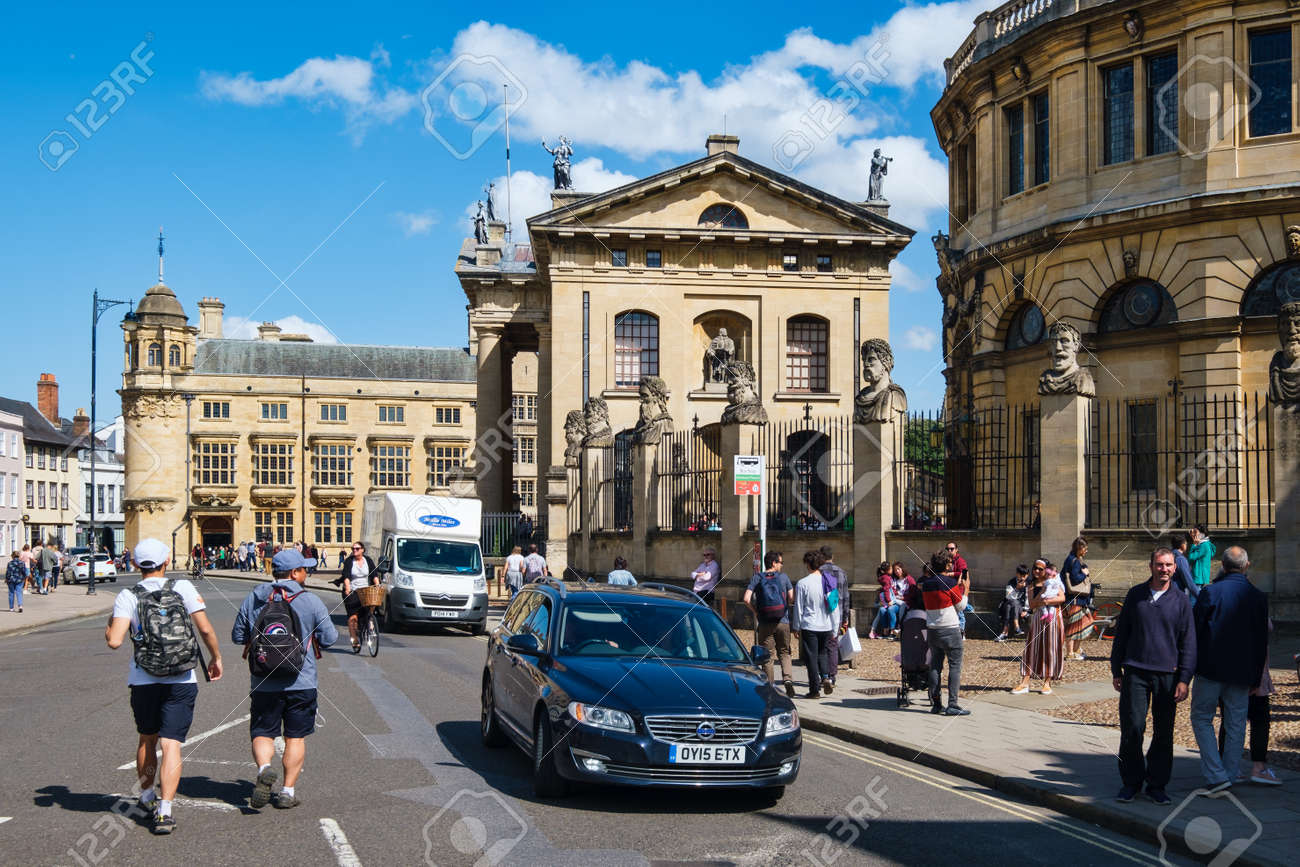 Urban scene next to the Sheldonian Theatre in the city of Oxford - 158962811