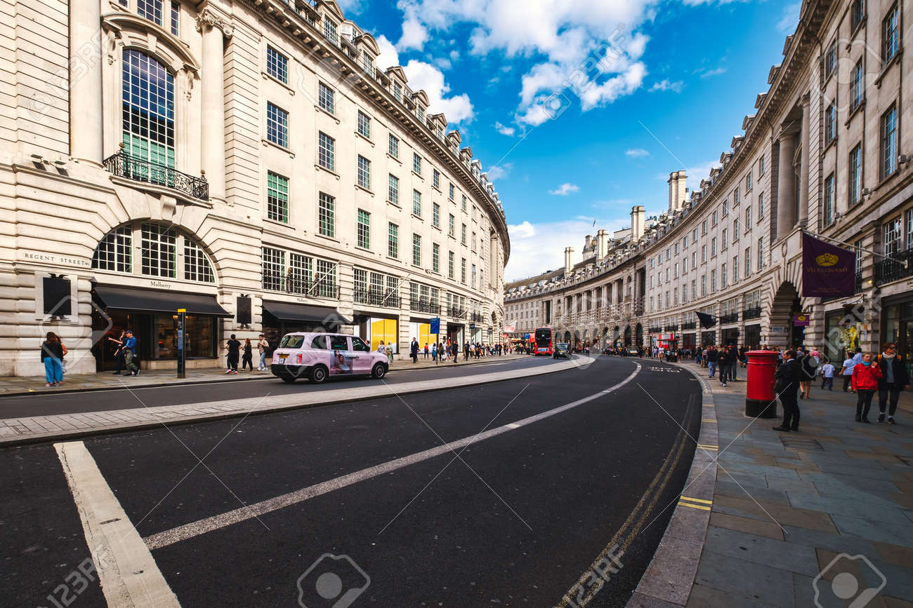 Regent Street, a major shopping street famous for its architecture and its flagship stores - 158962810