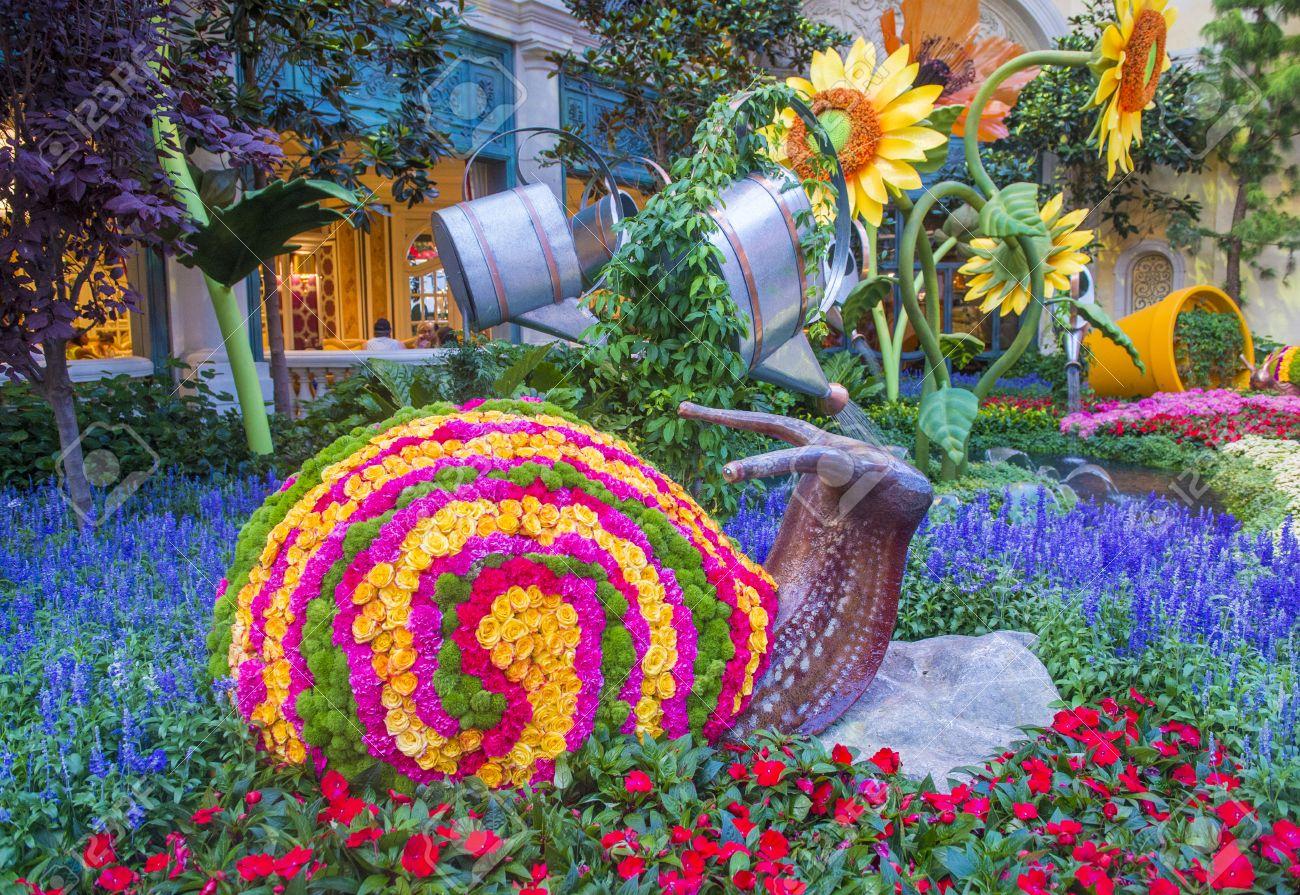LAS VEGAS   JUNE 15 : Summer Season In Bellagio Hotel Conservatory U0026 Botanical  Gardens On
