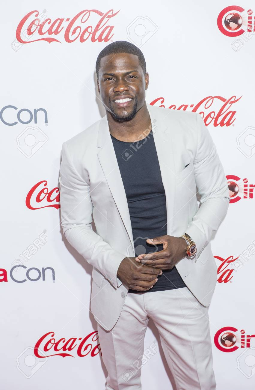LAS VEGAS - APR 23 : Actor Kevin Hart, winner of CinemaCon's Comedy Star of the Year, attends the 2015 Big Screen Achievement Awards during 2015 CinemaCon on April 23 , 2015 in Las Vegas , NV - 39214766