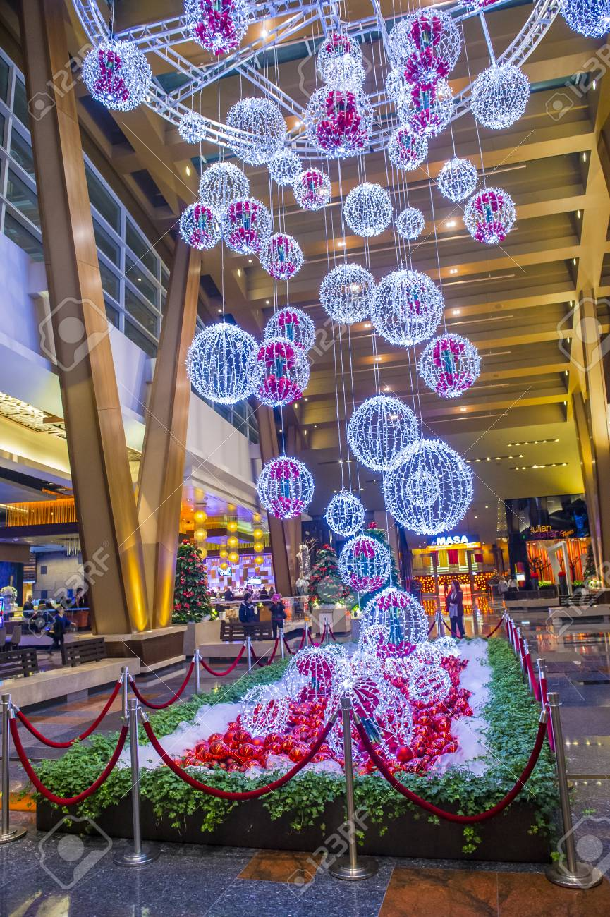 Las Vegas Dec 18 Christmas Decorations At The Aria Hotel Stock