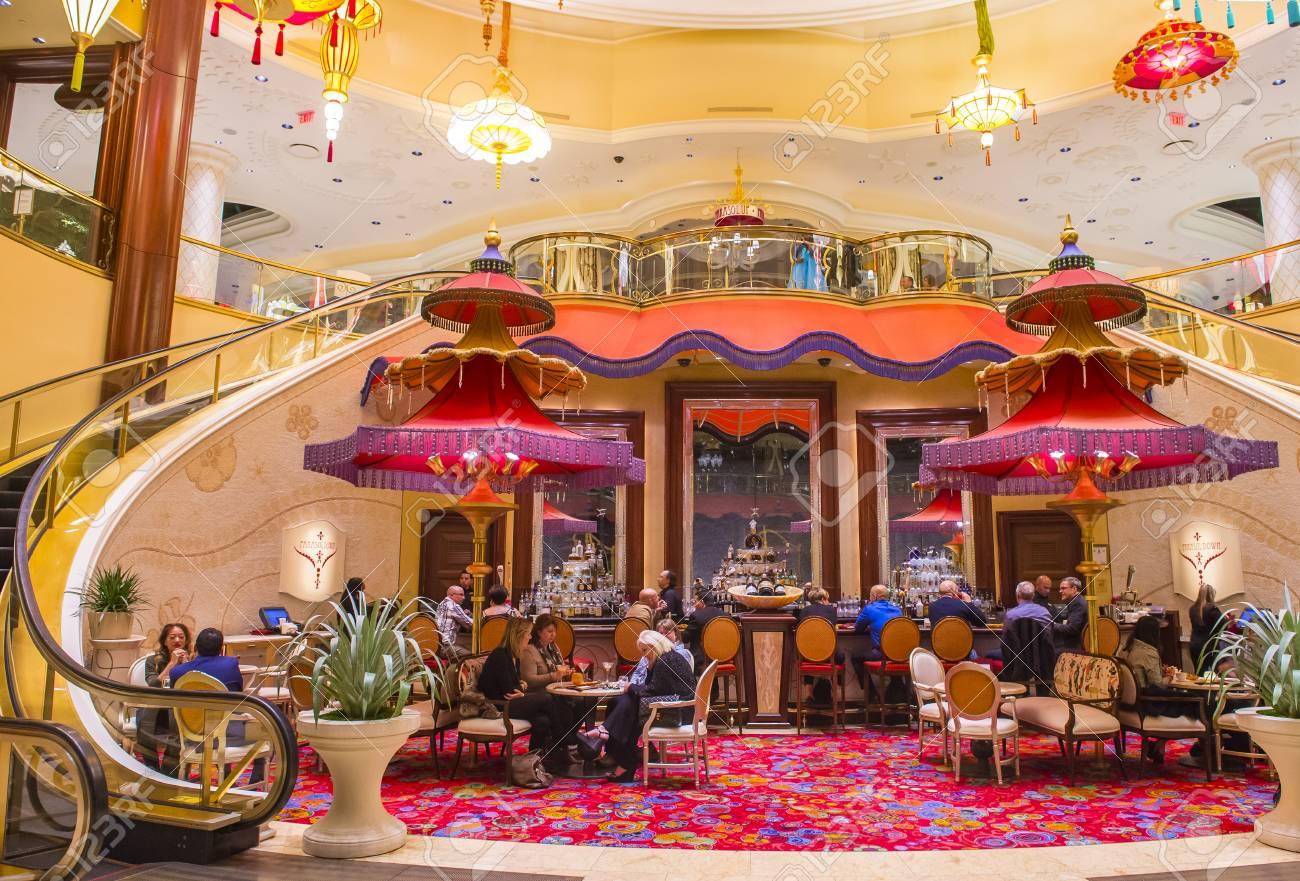 Las Vegas Jan 08 The Parasol Down Bar At The Wynn Hotel And