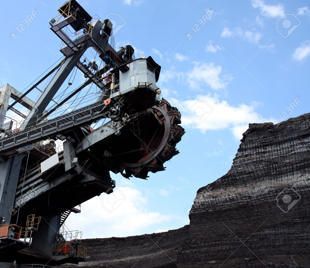 coal mining with big excavator in action Stock Photo - 8054267