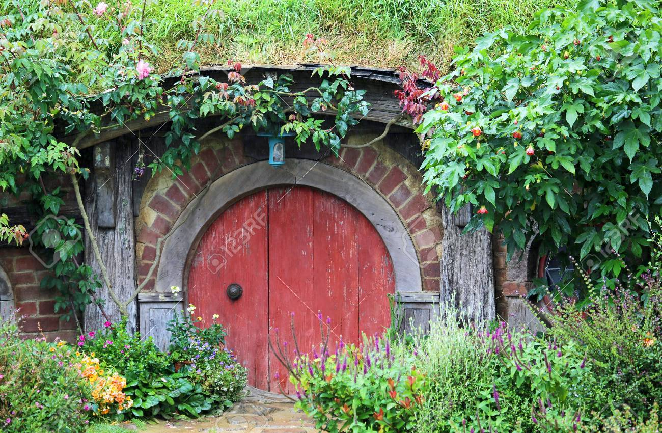 Red door to Hobbit house - Hobbiton movie set made for & Red Door To Hobbit House - Hobbiton Movie Set Made For