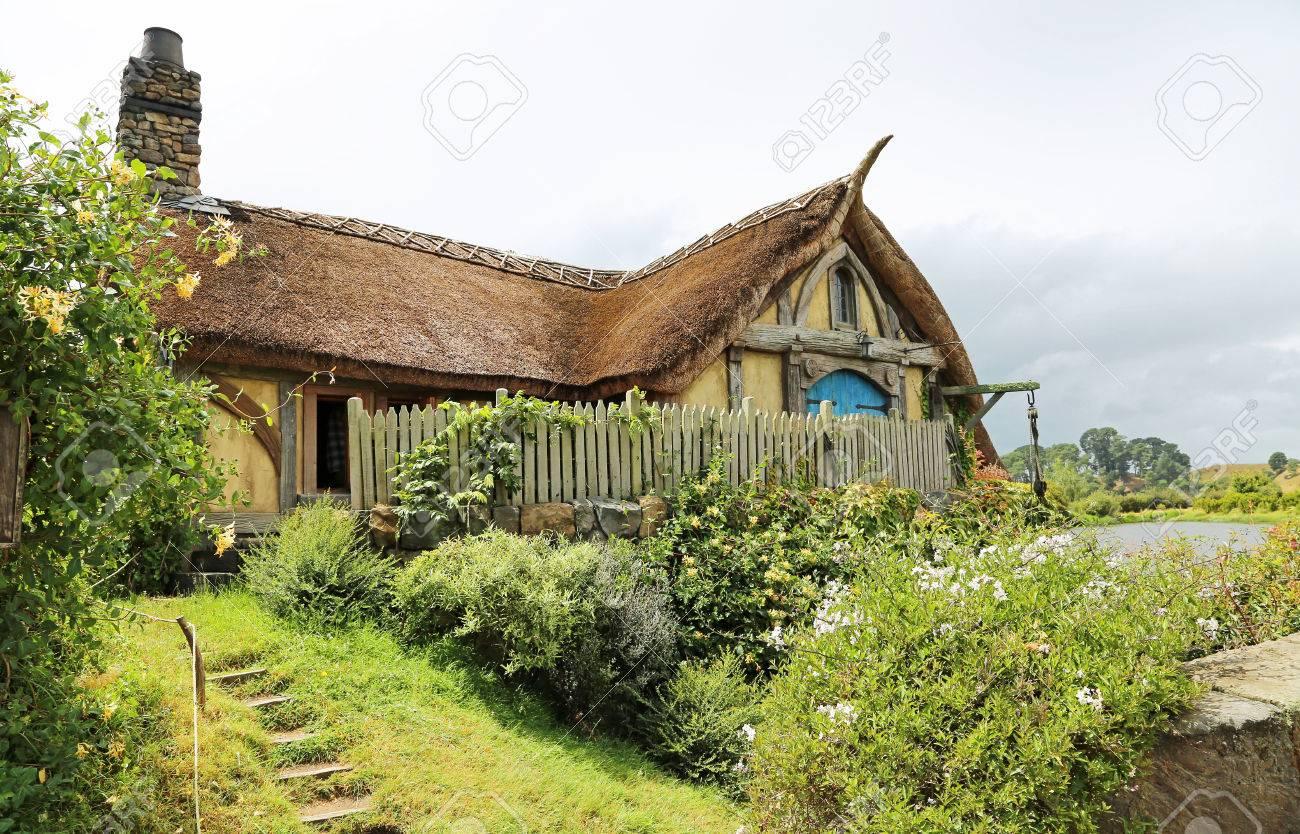 Colline De La Maison Du Moulin Cine Film De Hobbiton Fait Pour Les Films Le Seigneur De L Anneau Et Hobbit Matamata Nouvelle Zelande 18 01 2017 Banque D Images Et Photos Libres De Droits Image 77721569