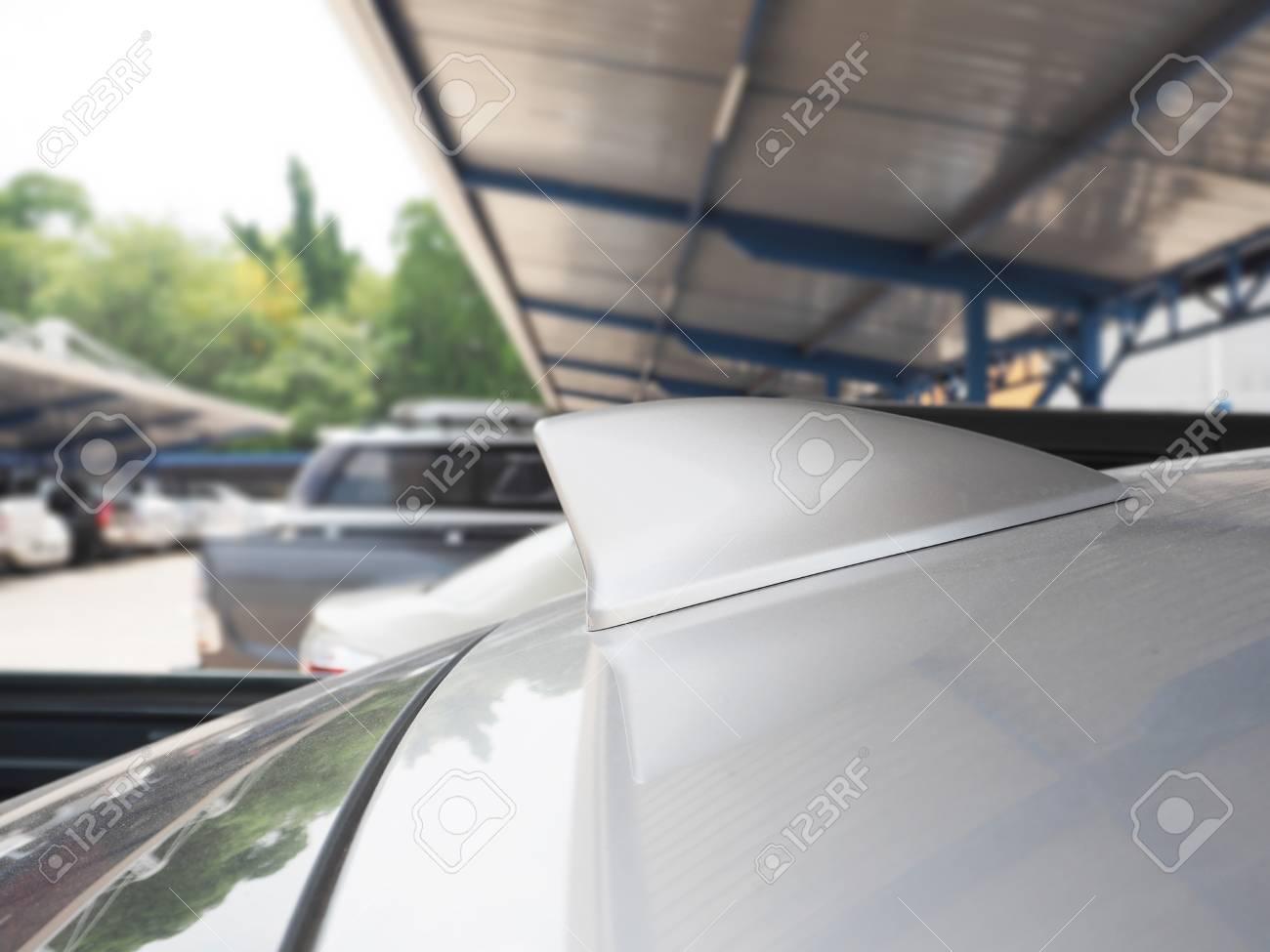 Modern car radio antenna