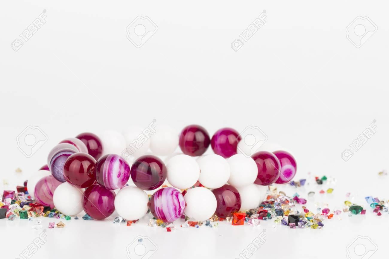Homemade bijoux de perles - Image. Banque d'images - 41035146