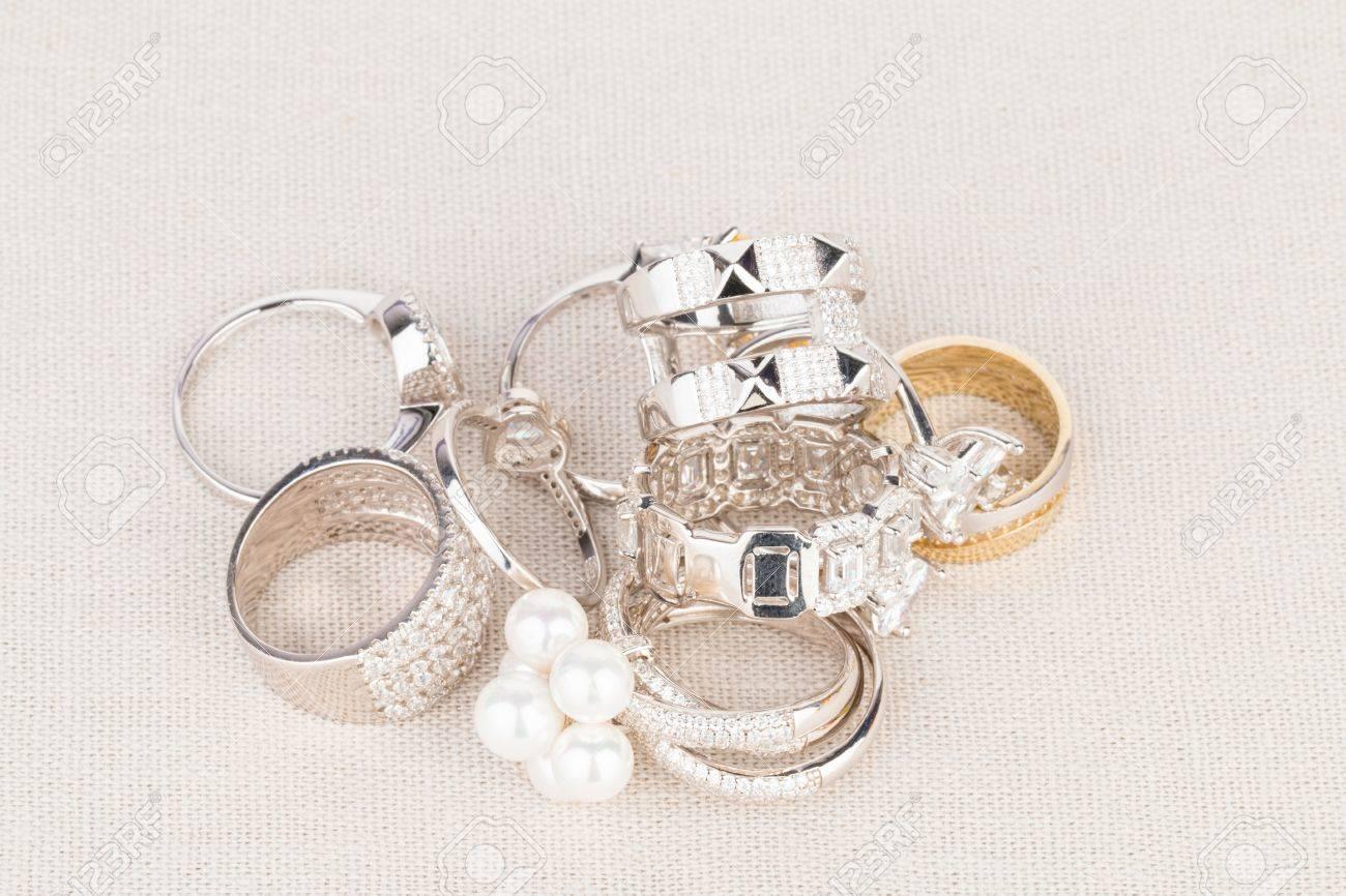 Stock Image macro - des bijoux de mode Beaucoup de femmes. Banque d'images - 42797562