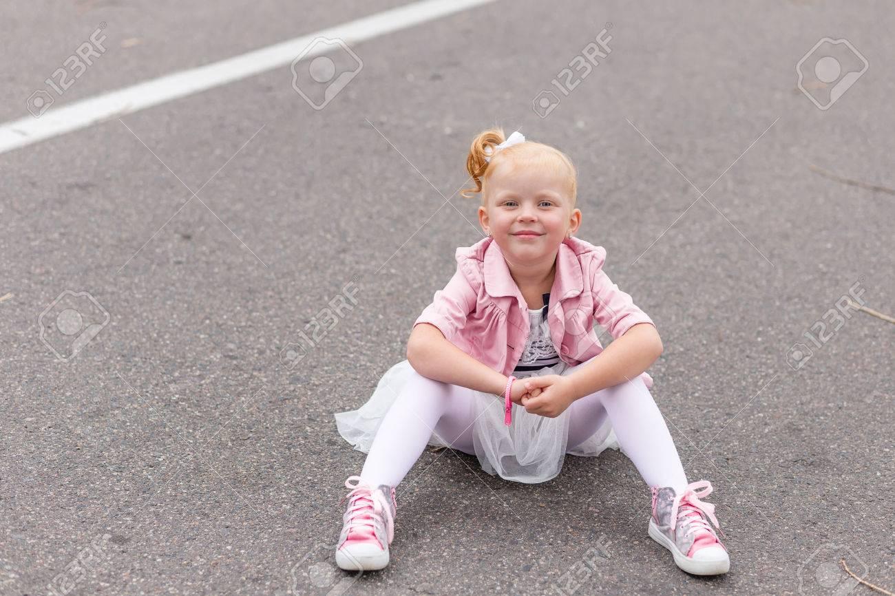 Bambine Scarpe Vestiti Con Vestiti Scarpe Con Bambine Sportive nmN8w0